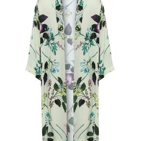 Ny super smuk kimono fra Karmamia