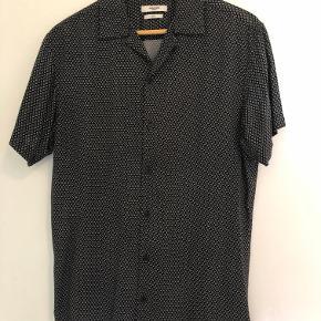 Kort ærmet skjorte fra Jack and Jones PREMIUM. ALDRIG brugt! Købt hos Zalando for 300kr.