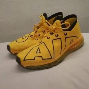 Lækre Nike sko, behandlet med crep protect så overfladen er vandafvisende