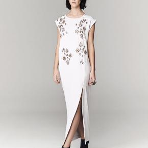 Den smukkeste Malene Birger kjole sælges eller byttes til str 34.