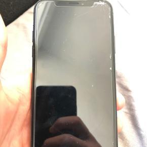 Hi, Sælger min gammel telefon bruger ikke mere iPhone xs 64gb i sort. Er fra Holte (2840) kan best lide mødes men kan også sende har ikke nogle iCloud kan begynde bruge skrive til mig kun hvis i er interesant.
