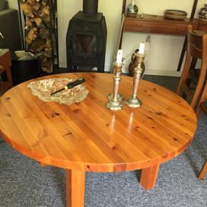 Sofabord i  fyrretræ  godt og solidt   100 x 50 cm