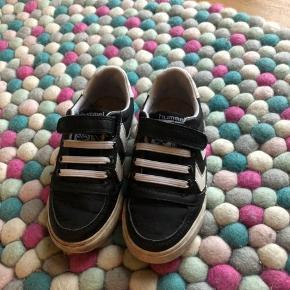 Lækre velholdte kondi sko Brugt meget lidt  Har lidt brugs spor