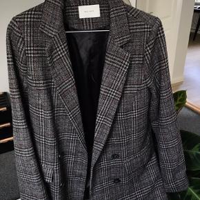 Lækker efterårsjakke/blazer fra Neo Noir Brugt få gange så fuldkommen som ny 🤎   #GøhlerSellout