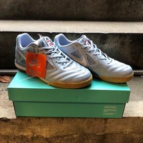 Nike sb Gato QS (subprime)  Str. EUR 41 str US 8 Pris 1200 kr.  Original æske følger naturligvis med.  Har aldrig været brugt.