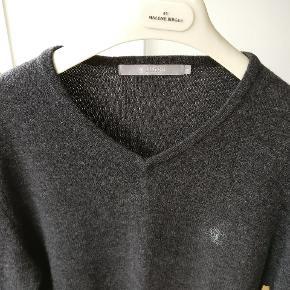 Lækker sweater i lammeuld model Nevillelam. Mp. 250