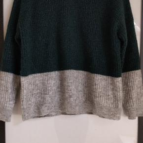 Sweater fra Envii med glimmer detalje i. Brugt få gange