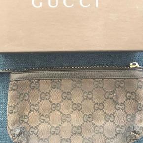 Gucci clutch