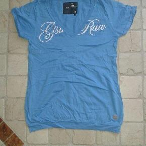 Varetype: t-shirt Farve: Blå  Flot G-Star t-shirt med smarte detaljer - i rigtig god stand.