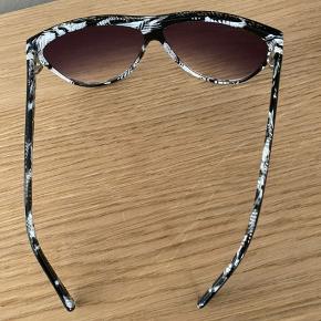 Jim Wild ( Prego) solbrille super cool Aldrig brugt  Nypris 699,-