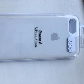 Helt nyt iPhone 8 cover.  Har kun været taget ud af pakningen I farven hvid, lavet af silicone