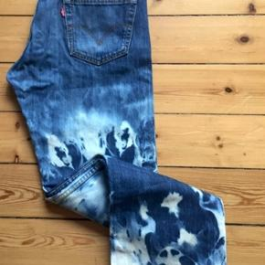 Levi's 501 vintage jeans  Afhentes 2450 Kbh Sv eller sender med DAO.  Se alle mine annoncer hvis du klikker på mit profil navn - OBS jeg gir mængderabat🧚♀️
