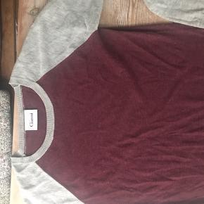 Super lækker bluse/trøje fra Ganni. Er XL men passer mere en M Giv et bud eller køb direkte