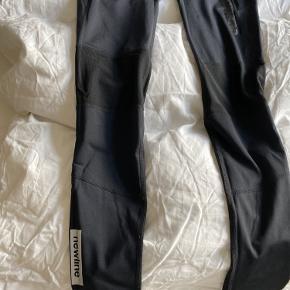 Virkelig fine newline tights, men desværre for små til mig.