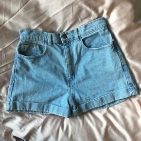 Højtaljede denim shorts, fra American Apparel 🌊 str. 29