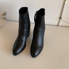 Læder heels støvler med lynlås  Høj hæle   #30dayssellout #trendsalesfund
