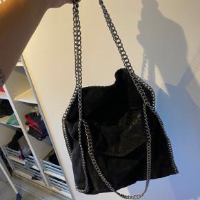 Dejlig skulder taske, hvor der er plads til en MacBook