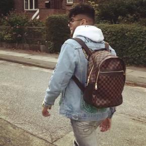 Louis Vuitton Michael damier taske. dustbag, box og pose medfølger.    Købt i december måned sidste år.