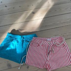 2 par pæne shorts i god stand. De grønne hedder 134 og de røde 152 men er brugt samtidigt