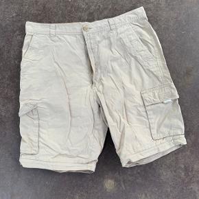 Beige shorts fra Stanfield 😎 . Der står størrelse 88 i mærket? Vil tro de er en medium.