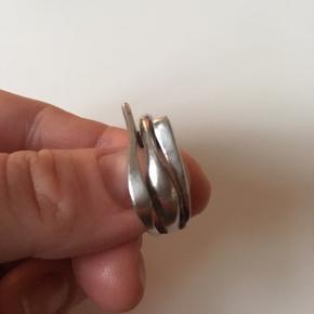 Vintage sølvring stemplet 925 og mesterstempel. Indvendig diameter 1,7 cm