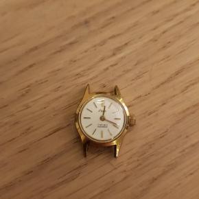 Har dette gamle urværk med optræk. Det kræver ik batteri. Er der nogen som have interesse i det? Gi et bud