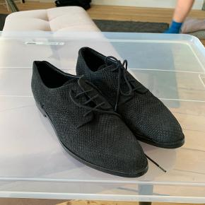 Shoe//Design andre sko & støvler