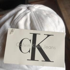 Calvin Klein jeans kasket(:  BYD skriv gerne for flere billeder