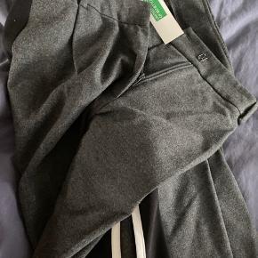 Lækre bukser med vidde i ben.
