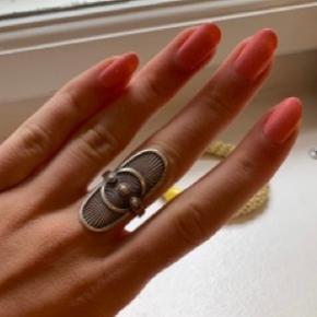 Line & Jo ring
