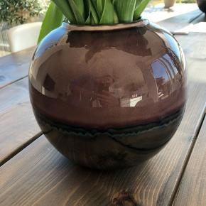 SØGER! SØGER! Af mærket Eightwood. Har denne vase, købt i Super Brugsen for 60kr. Ønsker en mere i rigtig go stand uden brugsspor eller skader🙏🏻