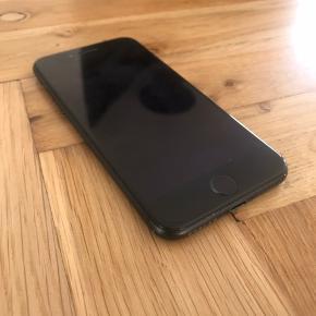 iPhone 7 32 gb sælges. Hjemknappen reagerer ikke altid, deraf prisen 😊