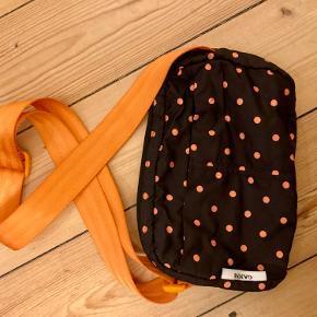 Fin taske fra Ganni