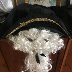 Udklædning hat med paryk - fast pris -køb 4 annoncer og den billigste er gratis - kan afhentes på Mimersgade 111 - sender gerne hvis du betaler Porto - mødes ikke andre steder - bytter ikke