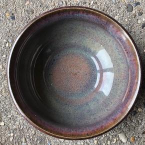 Smuk keramikvase/skål fra Selsbo Superlækker glasur  Højde: 6 cm Diameter: 12,5 cm  Perfekt stand Ingen skår  Sender forsvarligt 👌🏻  Husk også mine andre annoncer...👀