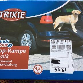 Klap Rampe til bil Hund op til 90 kg Vejer kun 4,5 kg Mærke: trixie