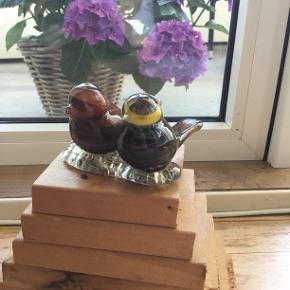 """Rigtige flotte glas fugle. Sandsynligt lavet som en del af  """"Det levende glasværk"""" Intakt næb og hale.. 👒Se også mine andre annoncer med vintage tøj👒"""