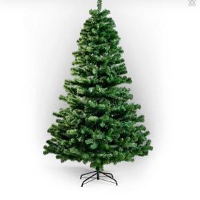 Plastik juletræ, 150 cm højt. Allergivenligt. Justerbare grene, fod medfølger. Er i tre dele, så det nemt kan opbevares.  Mp 150 kr.