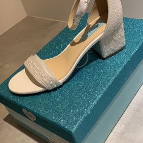 Betsey Johnson sandaler