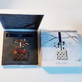 Sjælden Georg Jensen julekurv i hvidguld fra 1990 sælges
