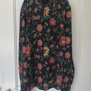 Asos Satin skjorte - aldrig brugt, da det var fejlkøb i størrelse