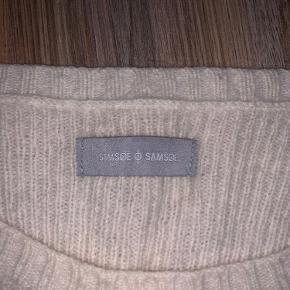Lækker sweater i uld