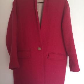 Efterårsfrakke/vinterfrakke fra Isabel Marant i lyserød/pink. Jakken er i en blanding af uld.  Str. 34, men er oversized/ stor i størrelsen. Model Edilon Herringbone coat.