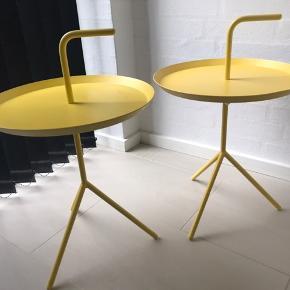 DLM borde fra Hay i fed gul farve. Begge har desværre et lille mærke. Sælges samlet til 1000 kr. Kan afhentes i Randers el Viby.