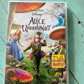 Alice i eventyrland dvd  -fast pris -køb 4 annoncer og den billigste er gratis - kan afhentes på Mimersgade 111 - sender gerne hvis du betaler Porto - mødes ikke andre steder - bytter ikke