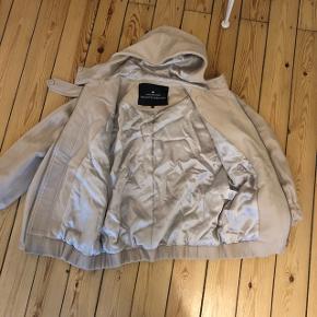 "70% uld jakke designers remix Charlotte Eskildsen fitter xs small og medium. Style ""Bia Hood"". 10% cashmere"