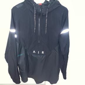 Super fed lang Nike 97 jakke, med cool 97'er refleksive detaljer