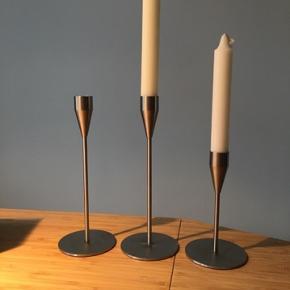 Fine lysestager fra Piet Hein. 2 x Venus og 1 x Mars. Lysestagerne er aldrig blevet brugt og fremstår som nye.