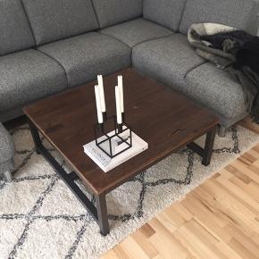 Vintage sofabord fra IDEmøbler  Måler 90x90x40