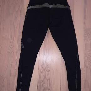 Rigtig fine Better Bodies tights, str medium (men kan sagtens passes af en small)  Se min profil for flere Better Bodies tights og toppe 😊